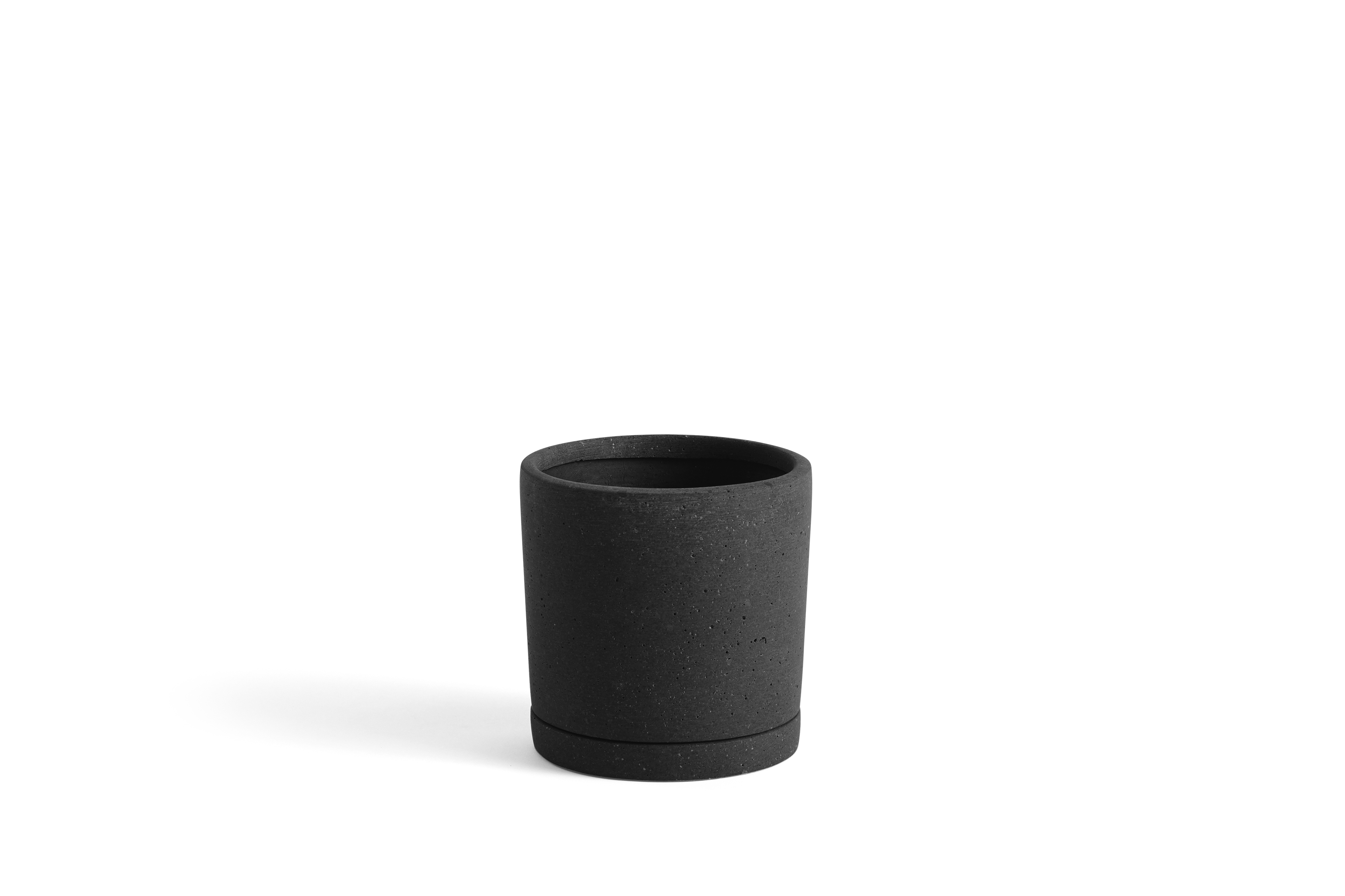 PLANT POT WITH SAUCER M
